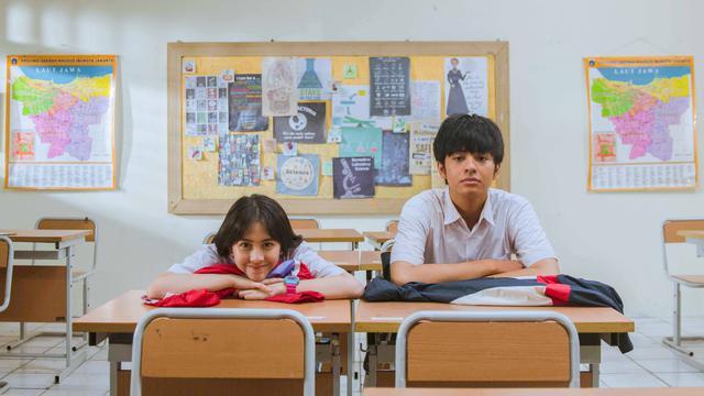 Resensi Film Dua Garis Biru: Belajar Kesetaraan Gender ...